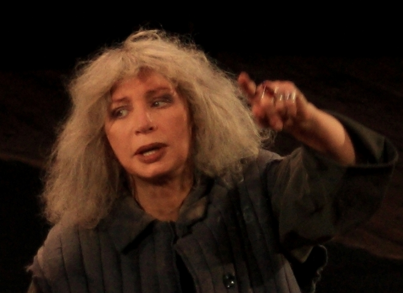 Знаменитая советская актриса тринадцать лет благодарила режиссера сексом за главные роли в театре