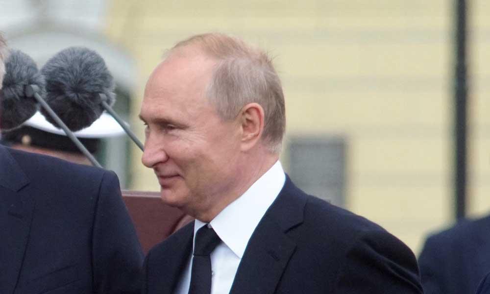 """Пока Путин в Давосе избавлял Запад """"от фобий"""", в России полиция ломала двери у несогласных с """"линией партии"""""""