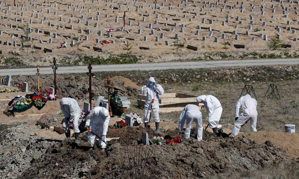 """Ученые шокировали: мировая статистика смертей от """"ковида"""" занижена как минимум вдвое"""