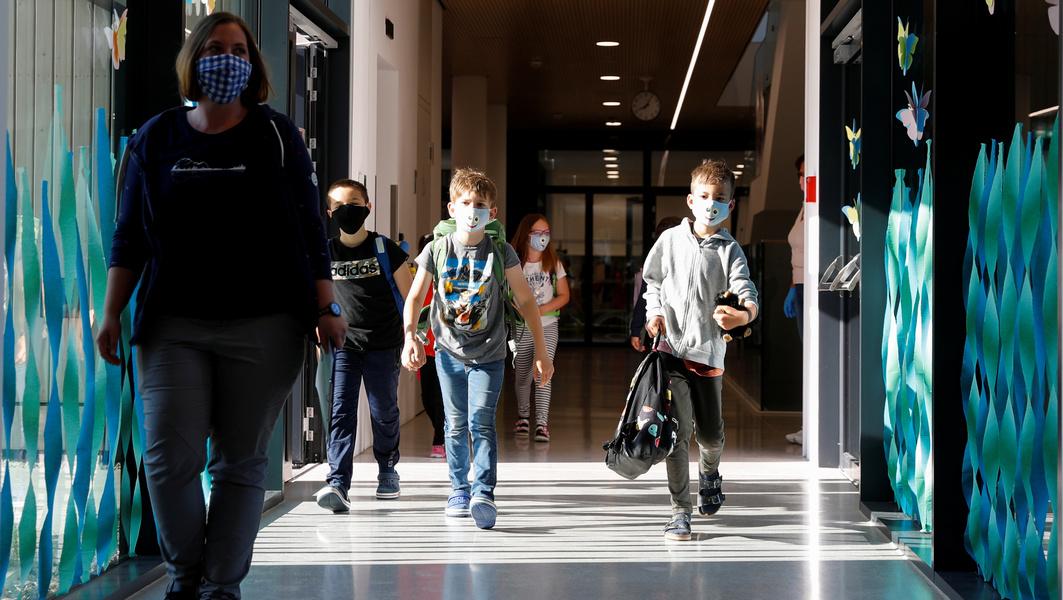 Новые правила для родителей в Израиле: можно заходить в школы и детсады