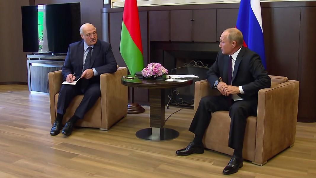 Лукашенко прилетел к Путину обсудить диверсионные планы
