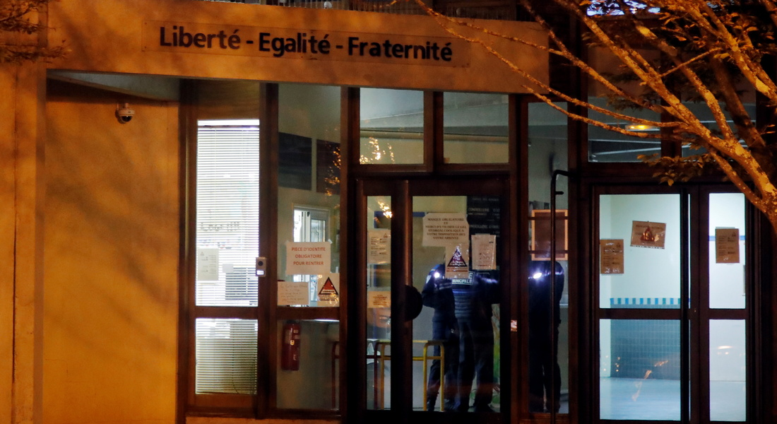 """Франция: отрезавший голову учителю за карикатуры на Пророка Мухаммеда  оказался """"чеченцем из Москвы"""
