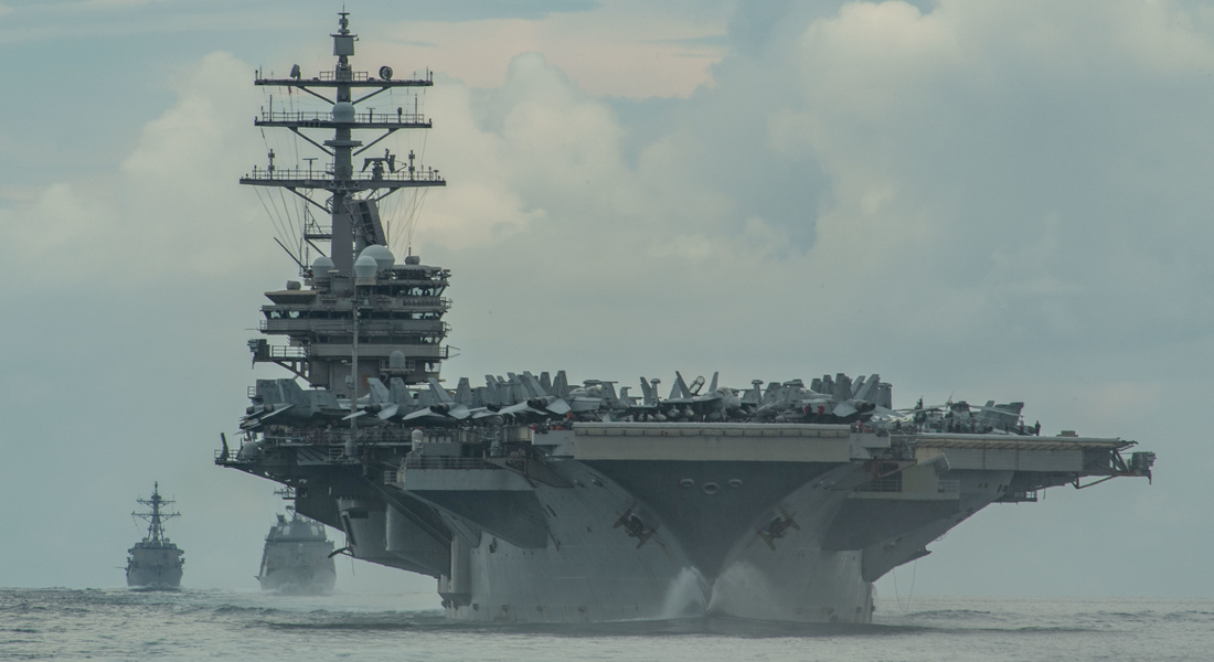 "Вашингтон направил в Персидский залив авианосец ""Нимиц"""