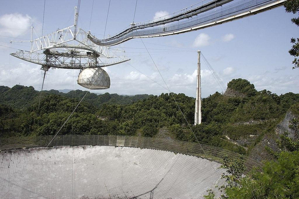"""Легендарная обсерватория """"Аресибо"""", искавшая инопланетян, окончательно развалилась"""