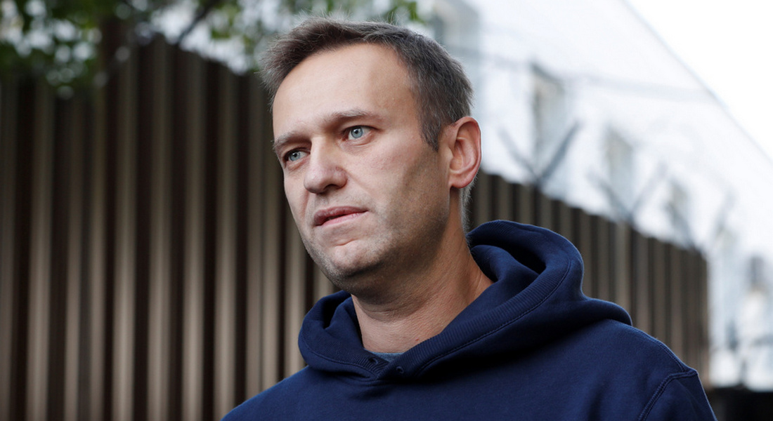 Возвращение Навального: арестуют, понесут на руках, встретят SERBом и молотом, поедет домой?