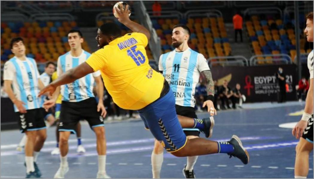 Бинго, Конго: 130-килограммовый гандболист с огромным животом стал главной звездой чемпионата мира. ВИДЕО