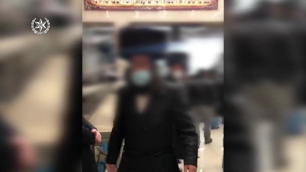Полиция разогнала свадьбу в Бней-Браке – плясали всей ешивой