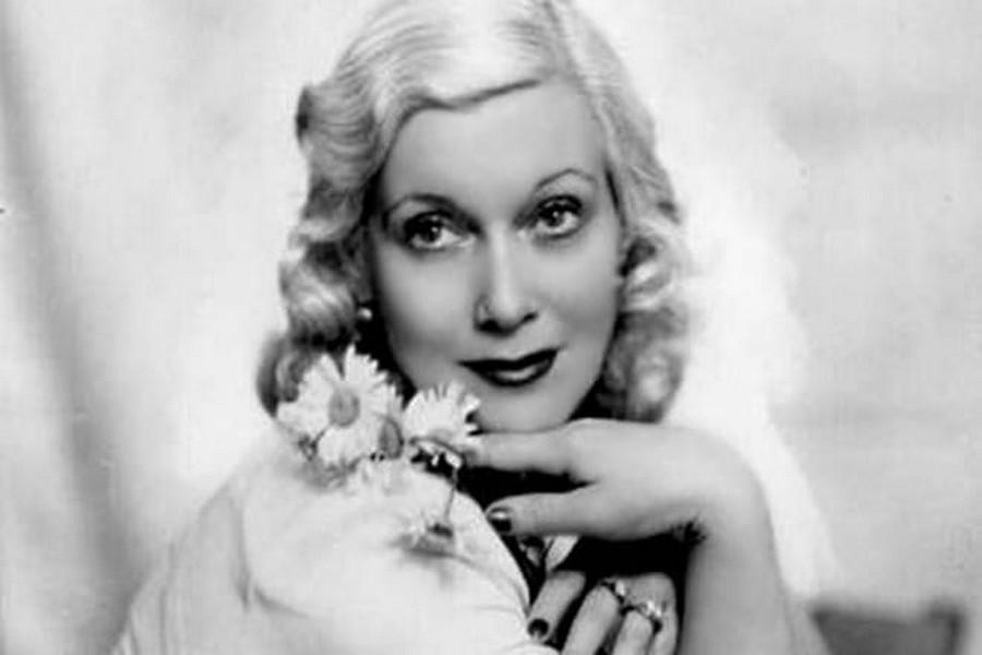 В Сети появилось сделанное во времена Сталина фото обнаженной самой красивой советской блондинки