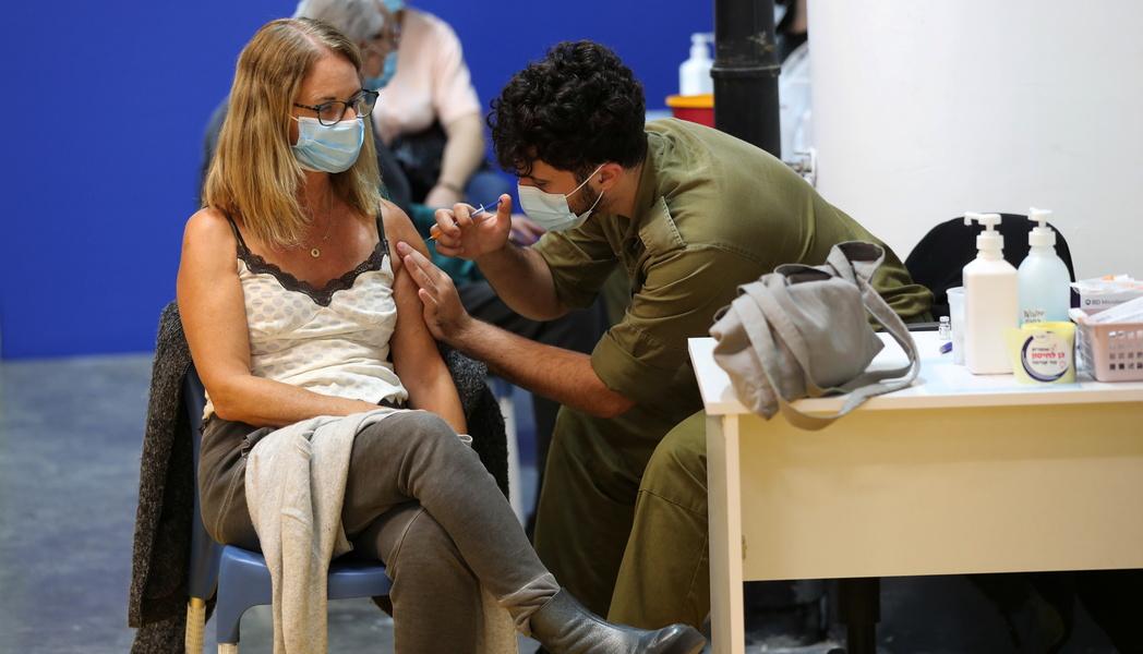 В Израиле приступают к вакцинации 35-летних
