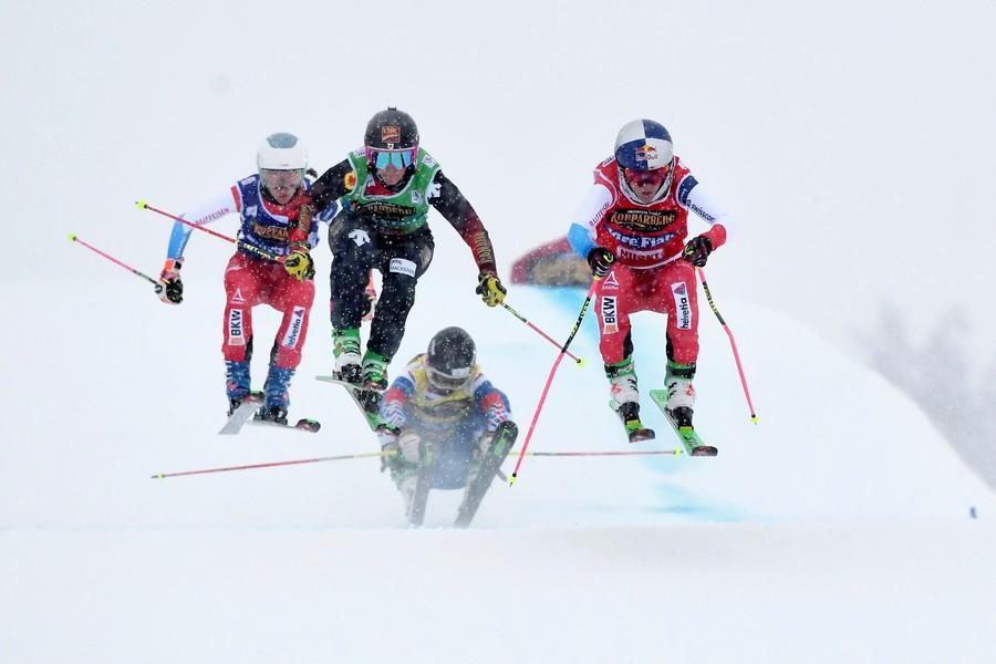 """""""Просто нужно подходить по-русски и давать в морду"""": российского лыжника дисквалифицировали за удар финна. ВИДЕО"""