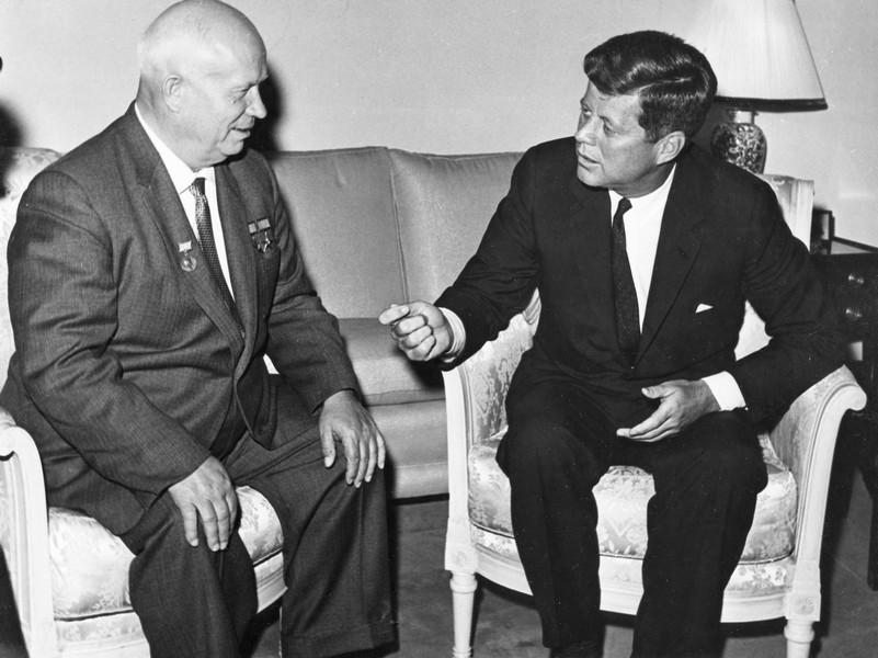 Его звали Никита: бывший глава ЦРУ назвал преемника Сталина заказчиком убийства Джона Кеннеди