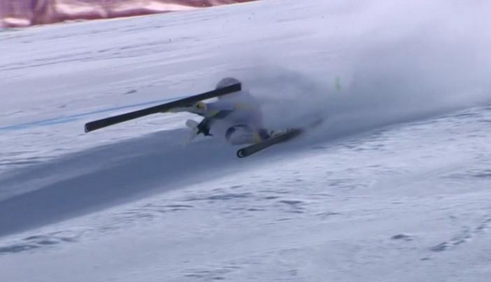 ЧП на Кубке мира по горным лыжам: 22-летняя спортсменка упала на скорости 180 км/ч