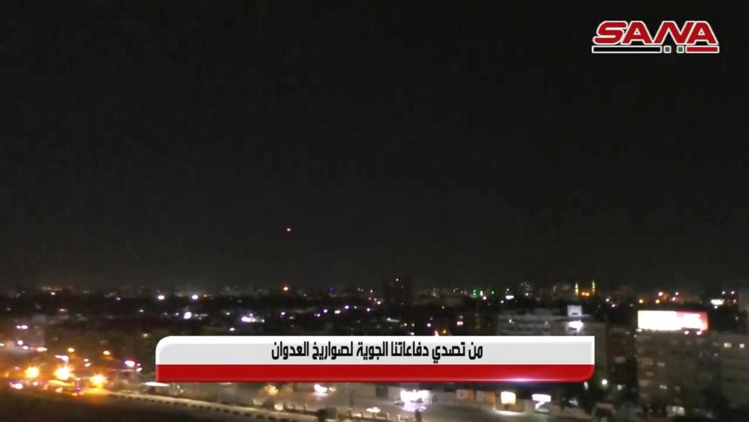 """Новый ночной авиаудар по Дамаску, сирийская пресса: """"Израильская атака частично отбита"""""""