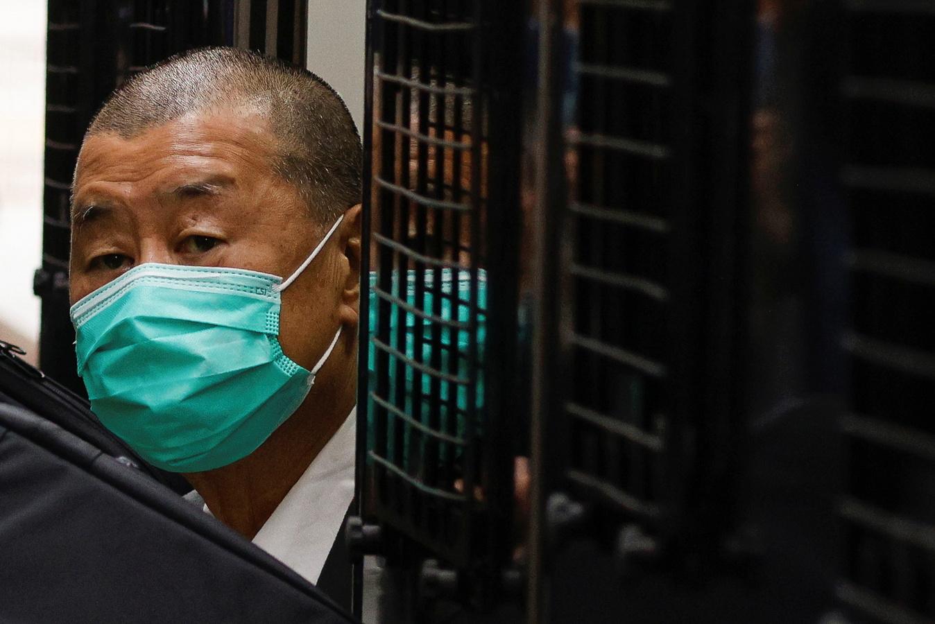 Гонконгского медиамагната отправили в тюрьму за организацию протестов