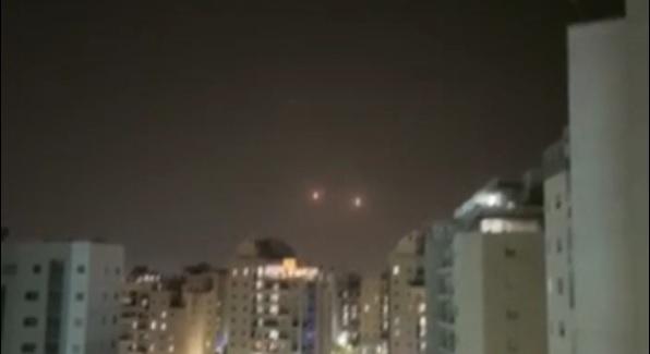 Две ракеты по Ашкелону, поджоги на юге, арабские беспорядки в столице
