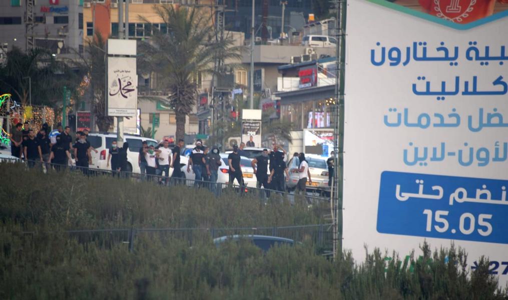 """Арабы """"треугольника"""" поддерживают палестинских братьев: наезд на полицейского, камни и беспорядки"""
