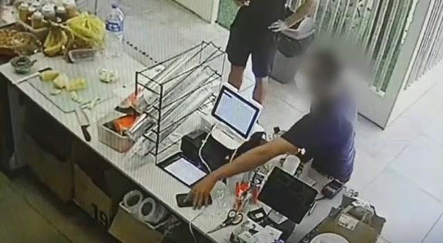 """Наглый """"северянин"""" крал мобильники в магазинах Тель-Авива, но все же попался"""