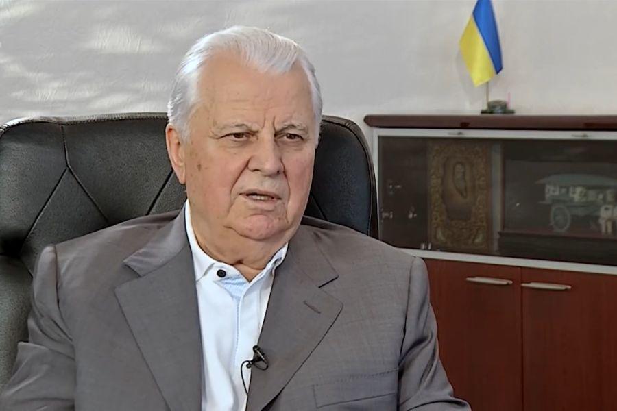 Первый президент Украины уже месяц находится в реанимации