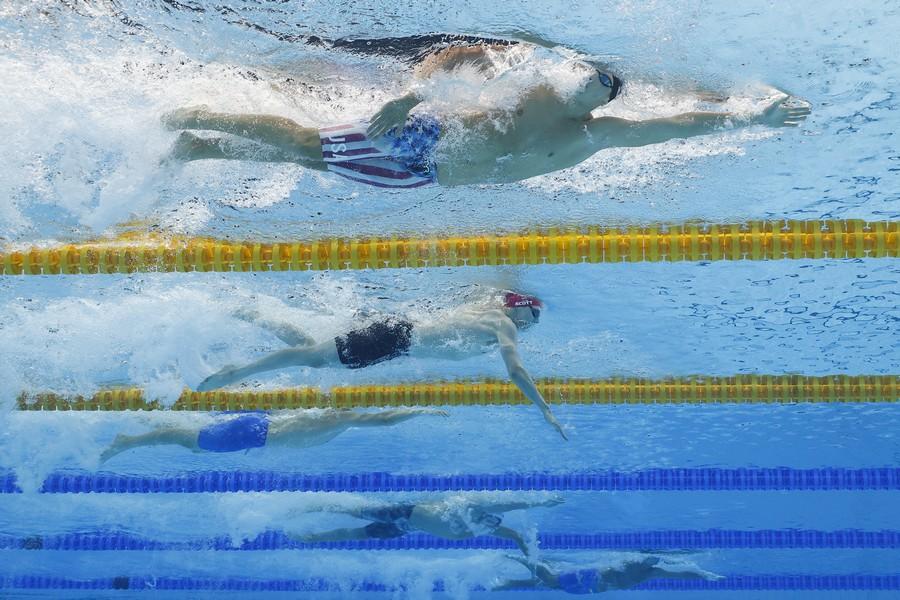 """Израильский пловец стал первым """"буйным малым"""" на Олимпиаде: его не дисквалифицировали из жалости. ВИДЕО"""
