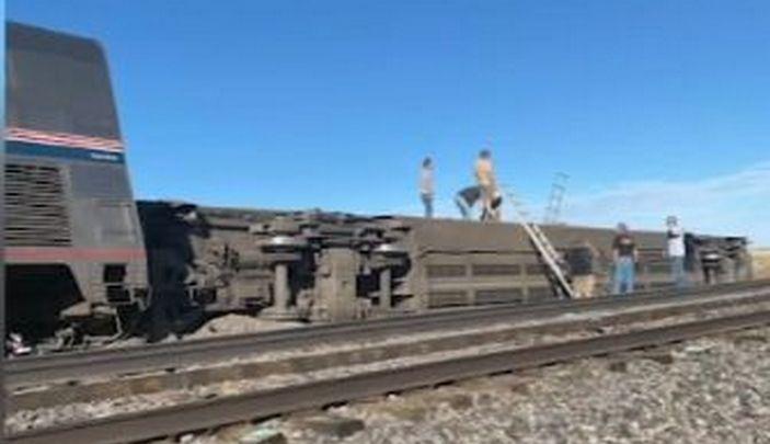 Несколько погибших и десятки пострадавших в результате крушения поезда в США