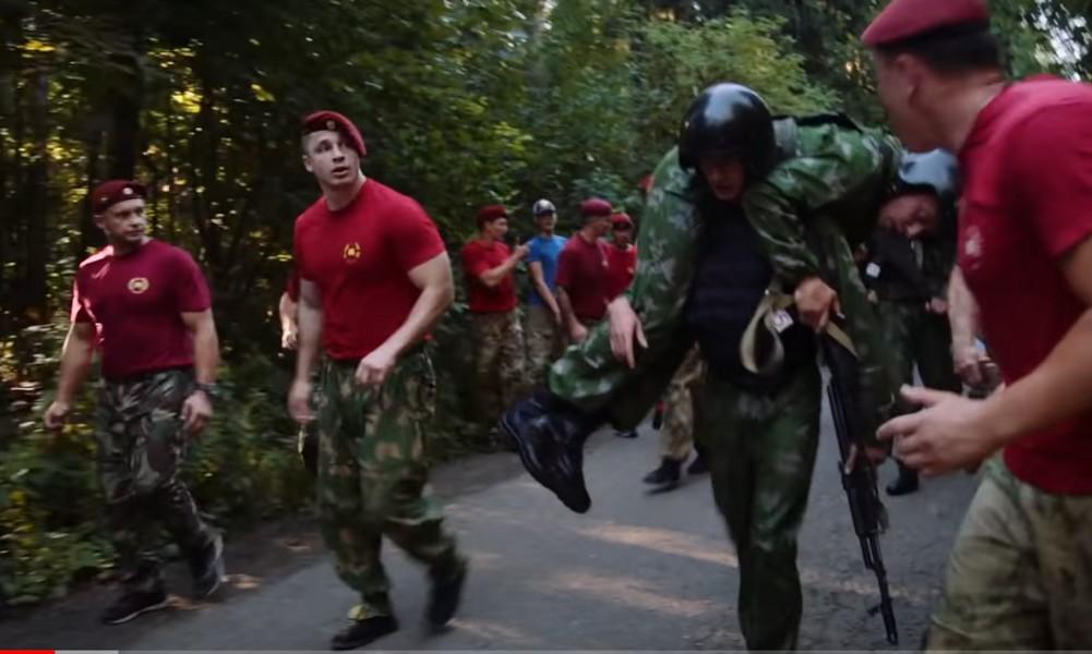 В России бойцы элитного спецназа в знак протеста против обмана со стороны претендентов из Чечни сняли краповые береты