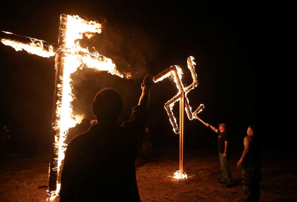 В Монреале пытались сжечь синагогу, в которой молился Леонард Коэн