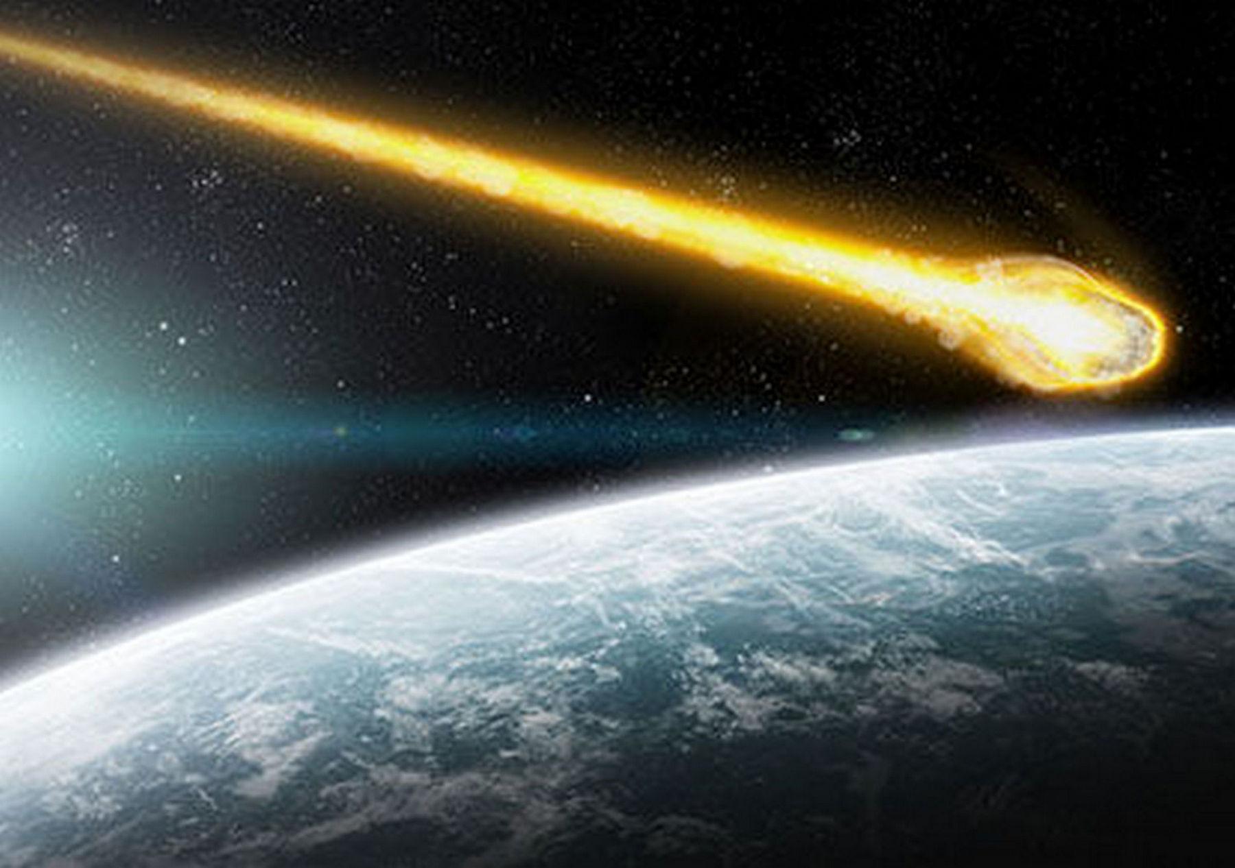 Над США пронесся российский военный спутник: ослепительно летел и упал в районе Великих озер