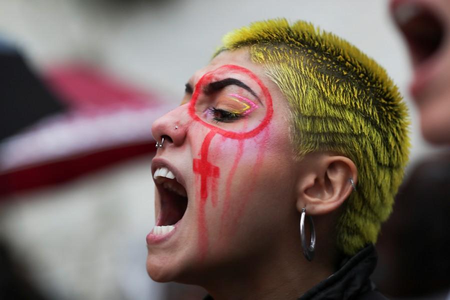 """Скандал в Голливуде: женское """"антидомогательское"""" движение оказалось прибыльной аферой"""