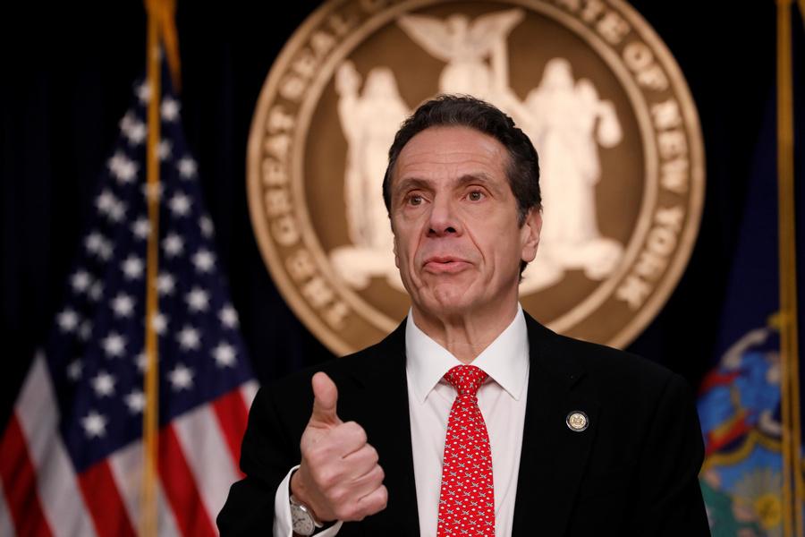 """Нью-йоркский губернатор-демократ оказался """"сексуальным домогателем"""". Республиканцы в восторге"""